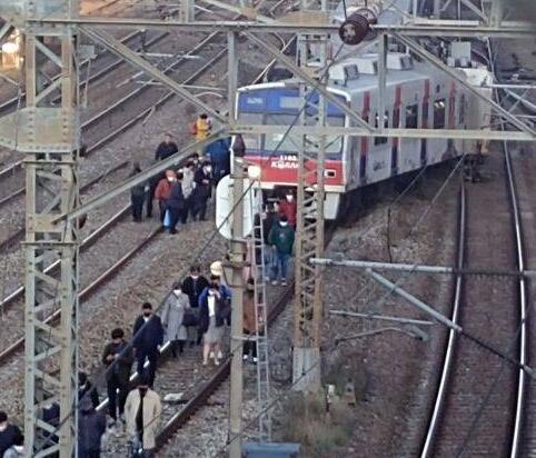 首尔地铁脱轨是怎么回事?首尔地铁脱轨情况怎样