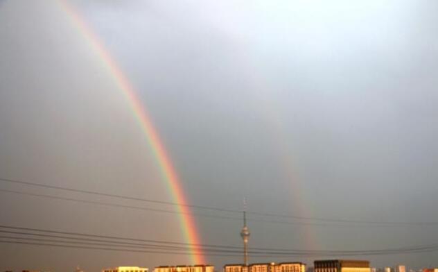 北京双彩虹是怎么形成的?北京双彩虹是什么样子的